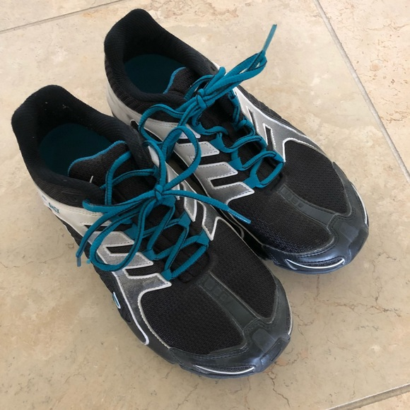 Nike Shox black   white and teal laces. Women 8.5.  M 5ad4c97da4c4858e4d13046d 9704a4e603